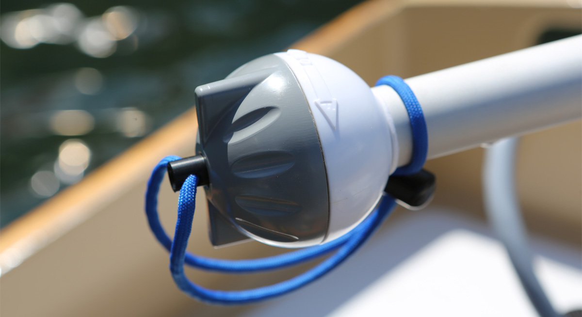 Electric outboard motor for dinghies, tenders, skiffs